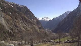 webcam - vue de Courmayeur depuis la Villa Cameron à Entrèves